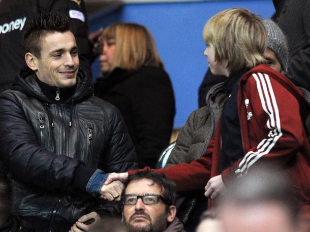 Mathieu-Debuchy-Newcastle-v-Everton_2881186