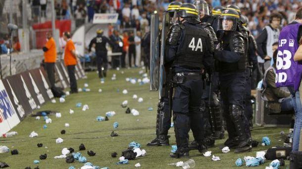 intervention-de-la-police-lors-du-match-om-ol_5418889